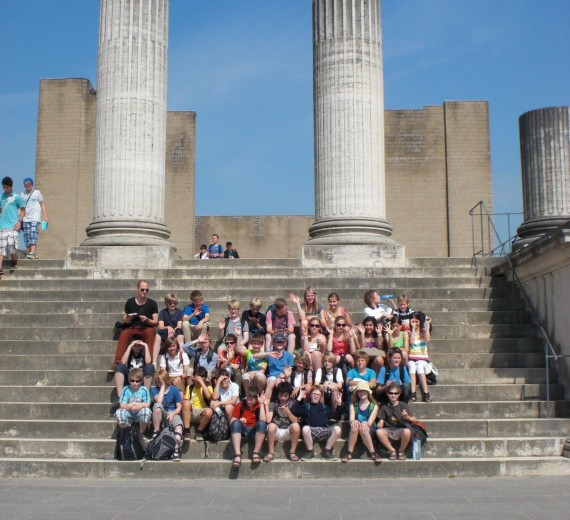 Gymnasium Paulinum: Besuch der 6a im Archäologischen Park Xanten (05.07.2012)